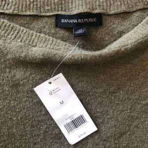 Banana Republic Sweaters - Banana Republic Light Wool Sweater